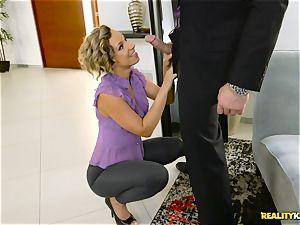 crazy tailor Jada Stevens blows off Charles