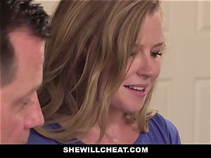 SheWillCheat - Squirty wife Gets Slayed By Internet boy