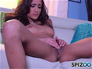 Chloe Amour masturbating