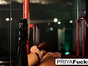 disrobe club spectacle by Indian hotty Priya Rai