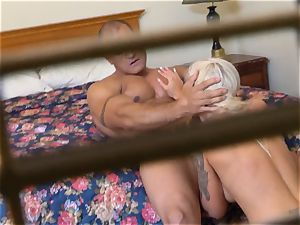 ultra-kinky Nina Elle pounds her stud at the hotel