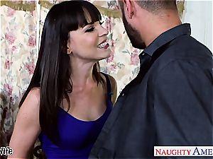 hotty Dana DeArmond welcomes his bulge inside
