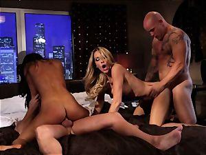 Asa Akira and Jessica Drake entertain 2 fat rods