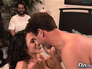 cheating wifey Ariella Ferrara boink dude