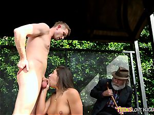 hilarious situation of vag stuffed daughter-in-law and her grandfather watches at bus stop - Abella Danger and Bill Bailey