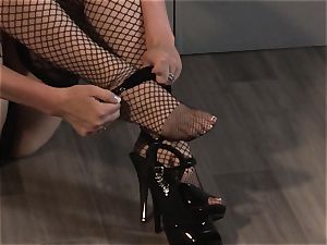 Chanel Preston rails a immense manstick with her tattooed vulva