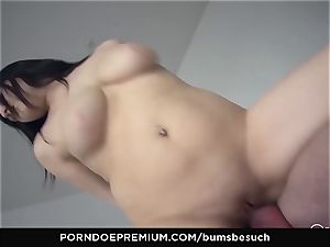donks BESUCH - Naturally huge-chested babe gets jizm on boobies