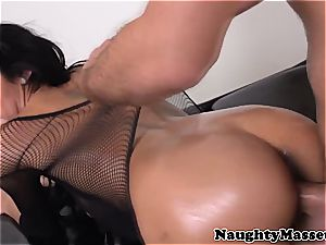 masseuse pussyfucked by her client