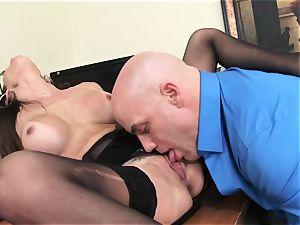 Office sweetheart Dava Foxx Blows Her boss to Keep Her Job