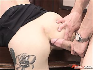 Kleio Valentien penetrated in the office