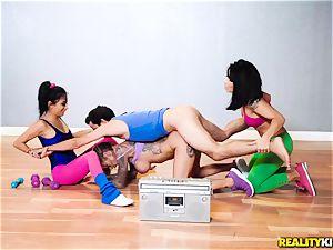 man sausage deep throating hotties take on suspended Spanish gym guy