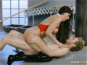 super-hot vampire babe Mercedes Carrera rides stiff dick