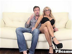 massive titted webcam babe Alyssa Lynn cumswallows