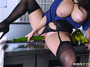 Kitchen inspector Ava Addams takes a chefs trouser snake deep