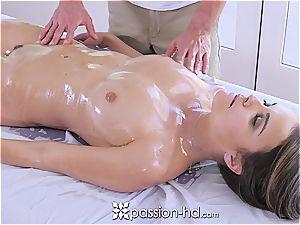 Dillion Harper luvs stunning massage
